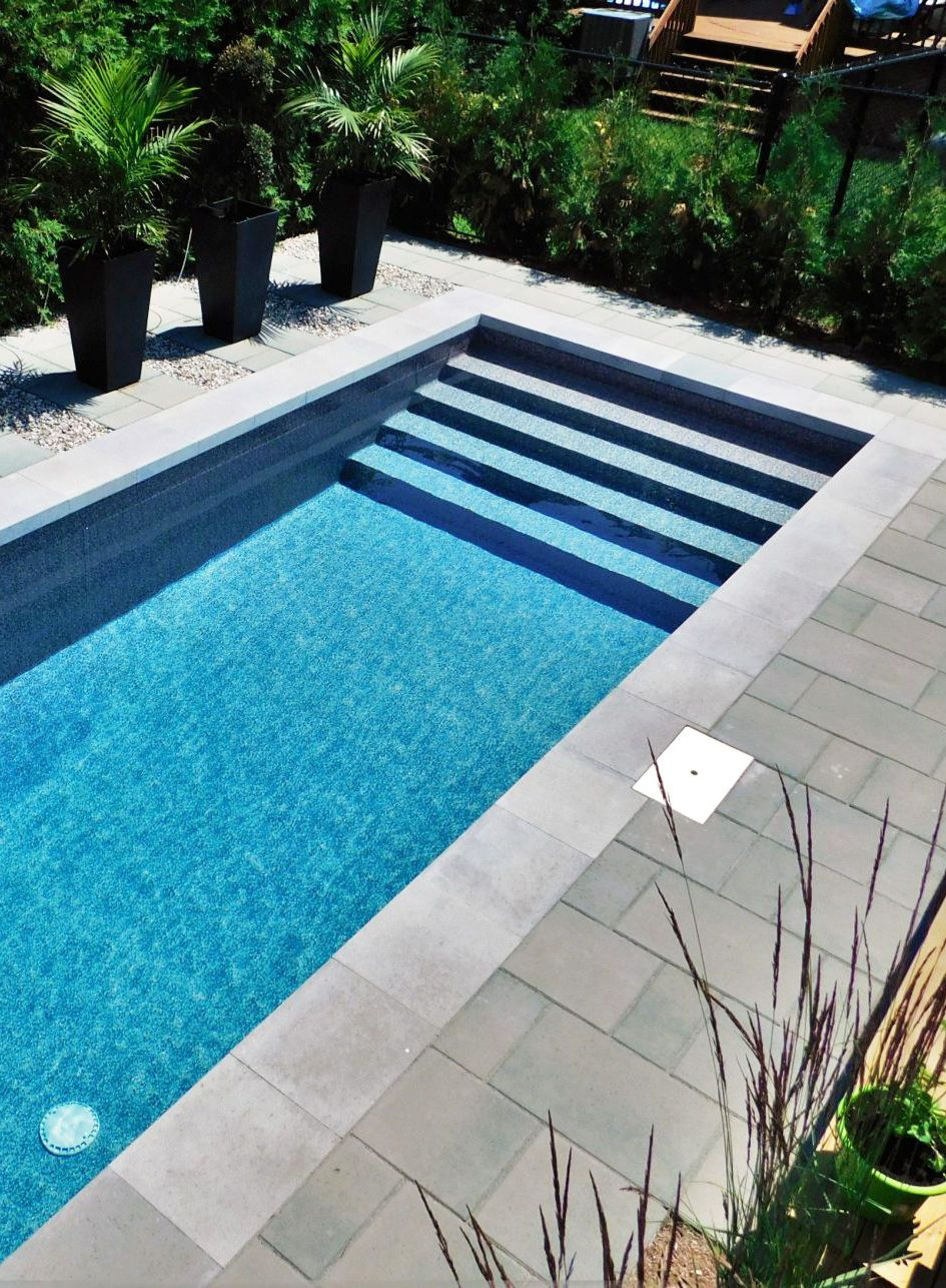magnifique piscine creus e en b ton disponible chez val morin piscines creus es pinterest. Black Bedroom Furniture Sets. Home Design Ideas