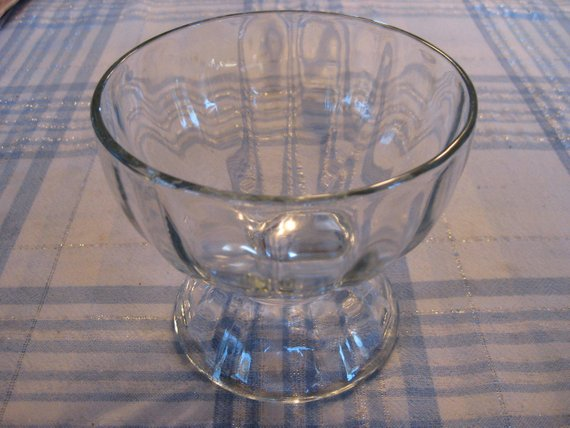 Clear Ribbed Gl Pedestal Bowl And Punch Base