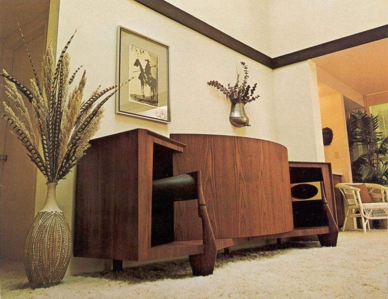 Vintage Vs Modern Speakers What S Your Take Vintage Speakers Jbl Modern Speakers