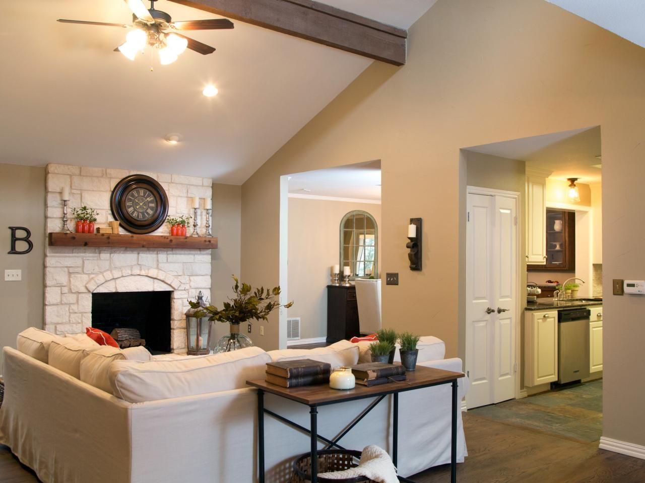 Photos hgtv 39 s fixer upper with chip and joanna gaines - Joanna gaines interior paint colors ...