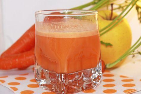 Este jugo especial de zanahoria se combina con el poder de otros ingredientes como el ajo, la manzana, el tomillo, el pepino y la naranja, para hacer un poderoso tratamiento contra las piedras en los riñones y de paso, hacerles una limpieza.  Ingredientes 4 zanahorias 2 manzanas orgánicas 2 dientes de ajo 1 pepino…