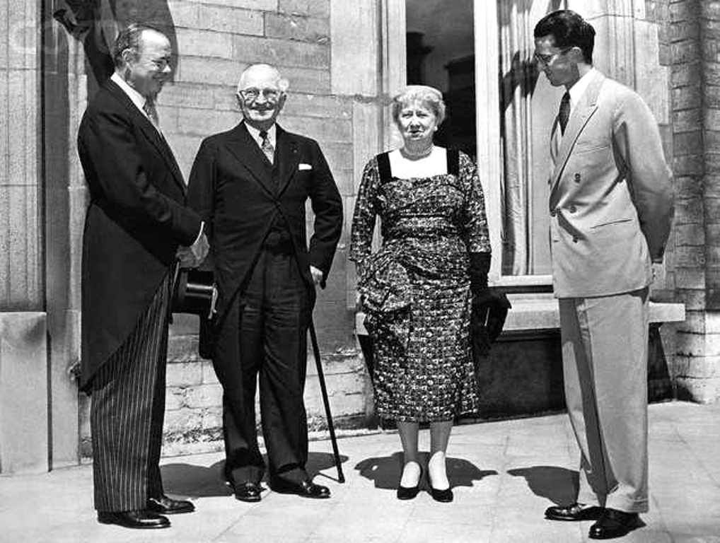 Harry and Bess Truman Meeting with King Baudouin  Former president and Mrs. Harry Truman are shown as they were received by King Baudouin of Belgium on a visit to the royal palace in Brussels. The king is at right. At left is U.S. Ambassador Frederick M. Alger, Jr.  Date. June 15, 1956  ❀♡❁❤❁❤❁❤❁❤♡❀  http://en.wikipedia.org/wiki/Bess_Truman  http://en.wikipedia.org/wiki/Harry_S._Truman  https://www.trumanlibrary.org/
