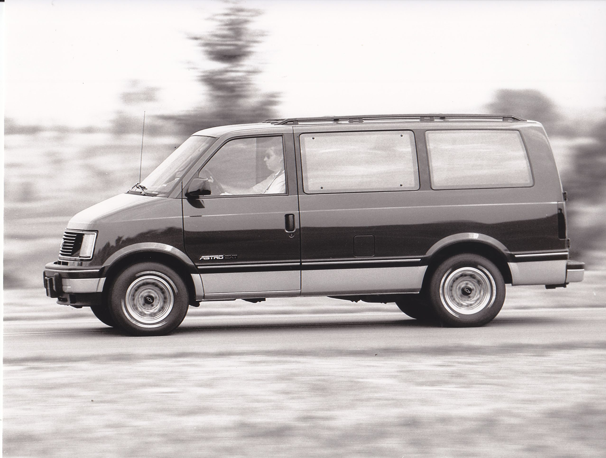 medium resolution of chevrolet astro van iaa 1991