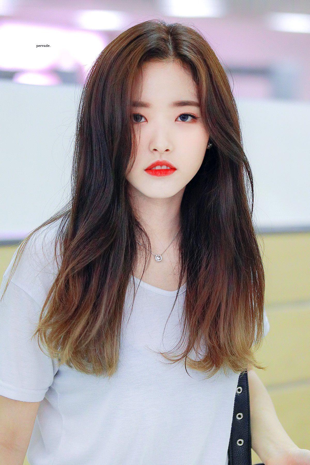 pervade on Twitter | Olivia hye, Olivia, Kpop girls