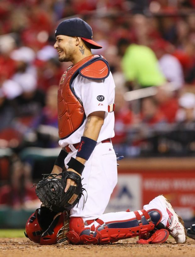 Photo of Cards sweep Reds with 2-1 win
