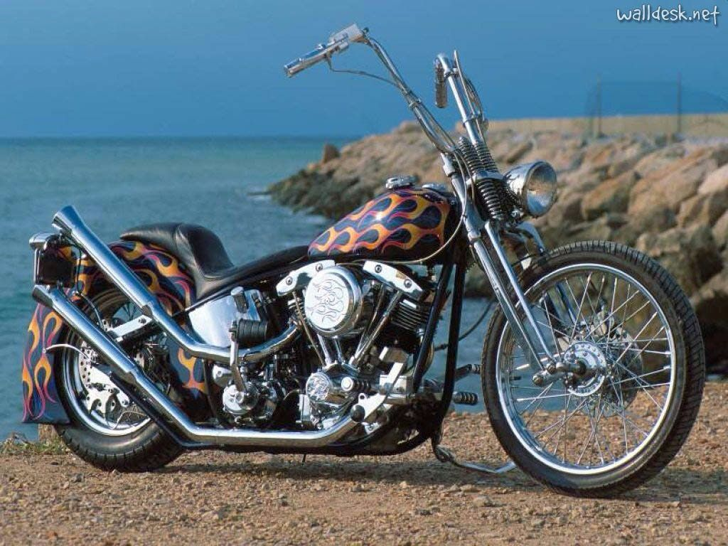 Image from http://www.hdimagewallpaper.com/wp-content/uploads/2015/02/Chopper-Harley-Davidson-2-HD-Images-Wallpapers.jpg.