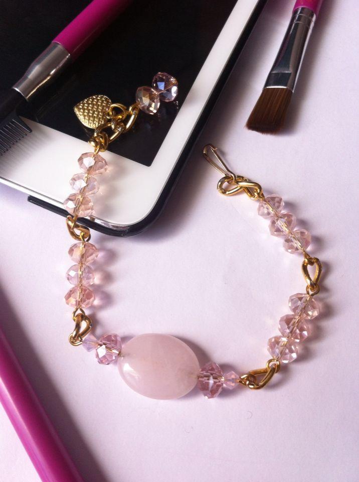 Con algo formal o informal queda súper pulsera cristal rosa con dorado bracelet. Joyería moda accesorios