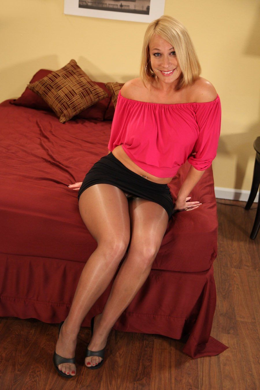 pantyhose milf upskirt | hot mature ladies, milfs and gilfs