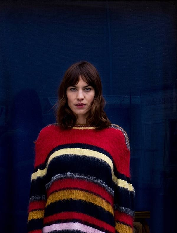 Daily dose of photos and news about Alexa Chung, a former british model, TV host and an ` it girl `...