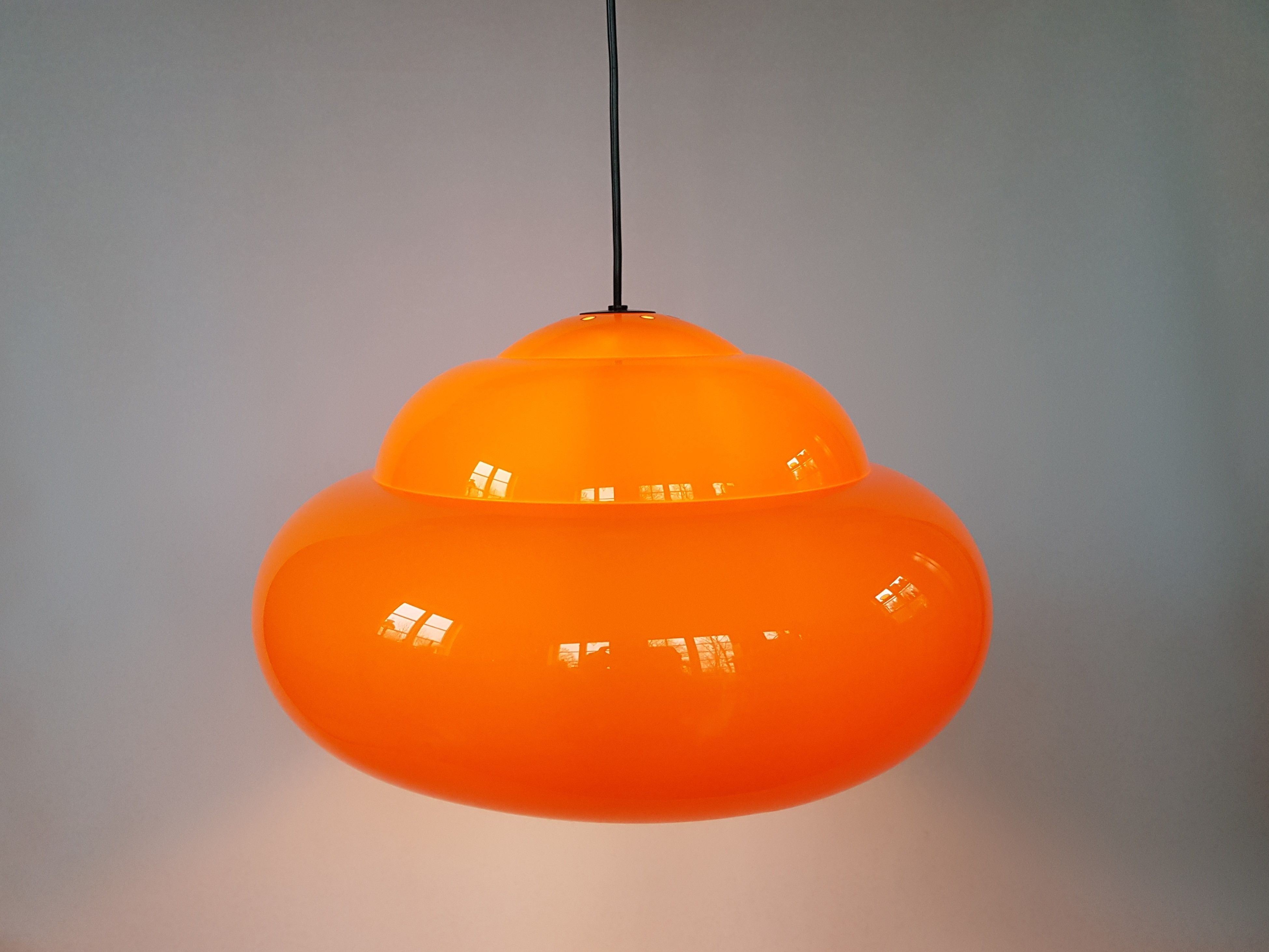 Amazing Vintage Orange Space Age Pendant Lamp By Fagerhult Belysning 1970s Scandinavian Design Swedish Design Atomic Age In 2020 Diy Pendant Light Lamp Pendant Lamp