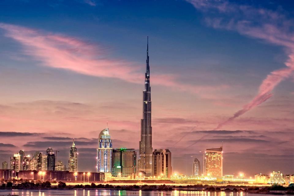 Skyline - Dubai........ a place I would like to visit.