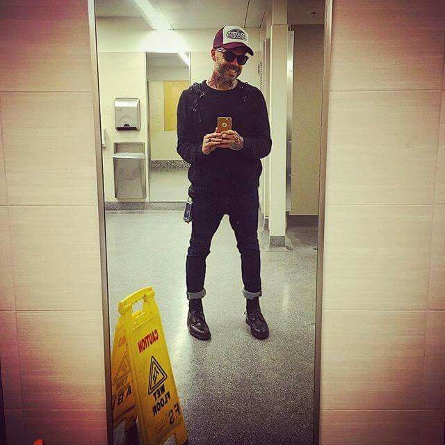 Justin's bathroom selfie