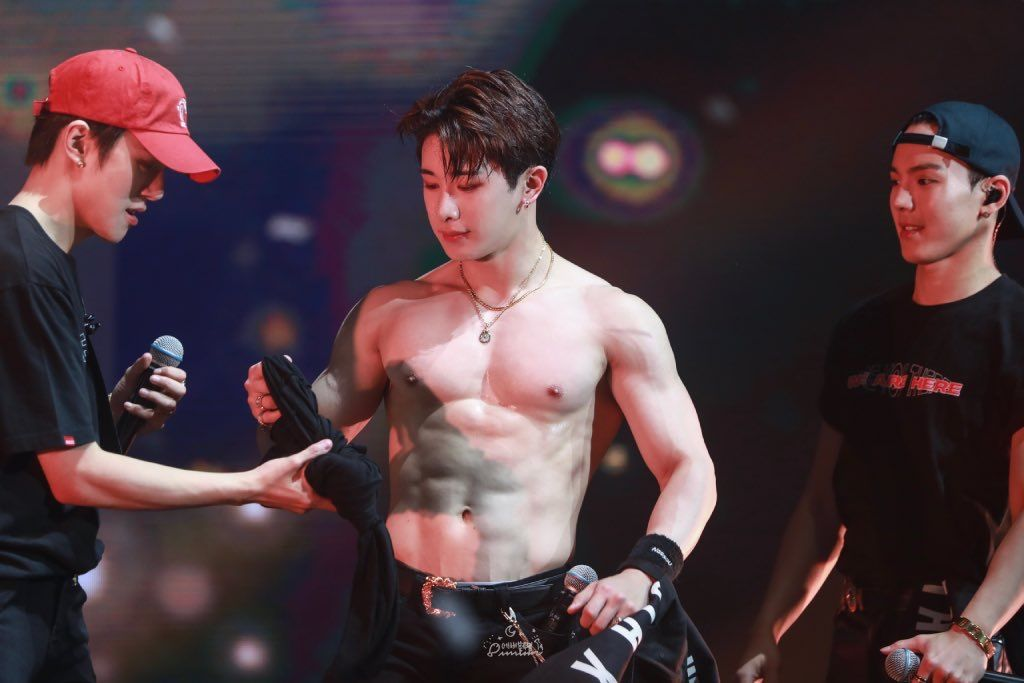 Monsta X We Are Here Tour Brazil Monsta X Wonho Abs Monsta X Wonho