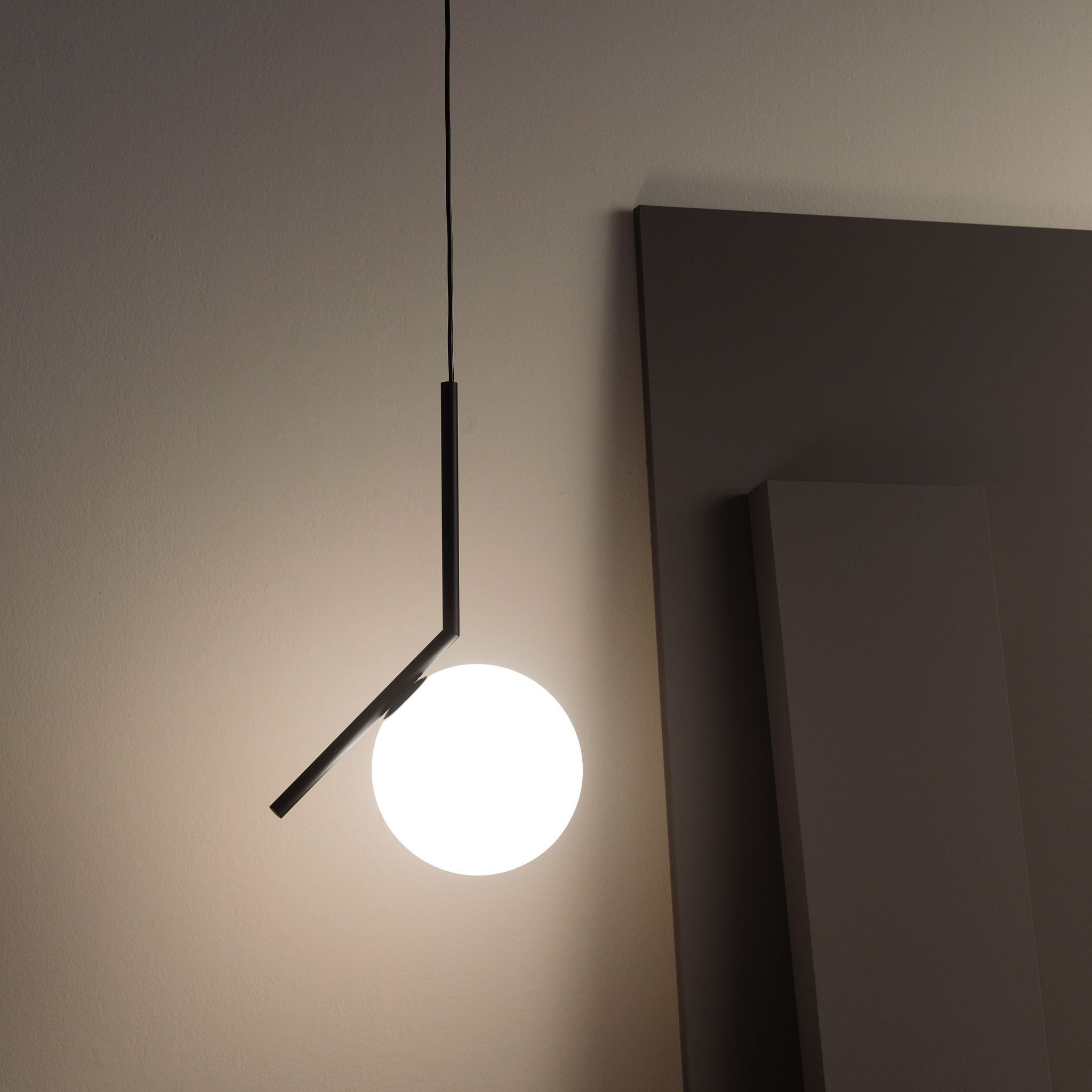 Pin Su Svetilniki Flos Ic Light Collection