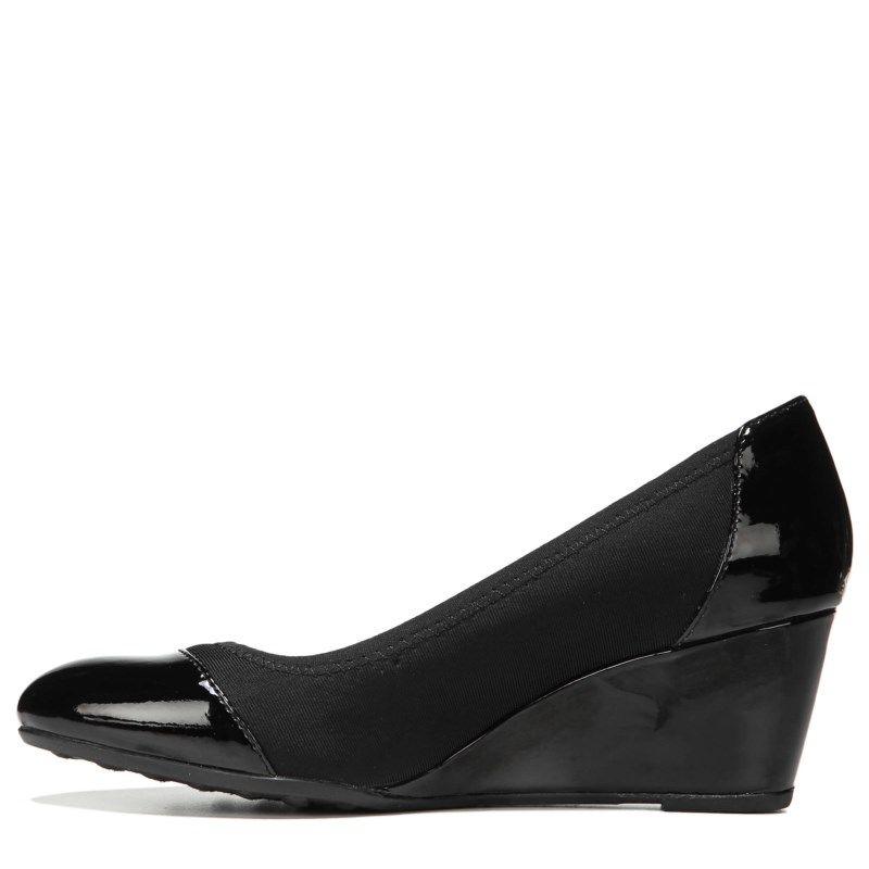 4b4a2345988 Lifestride Women s Juliana Stretch Wedge Shoes (Black Stretch)