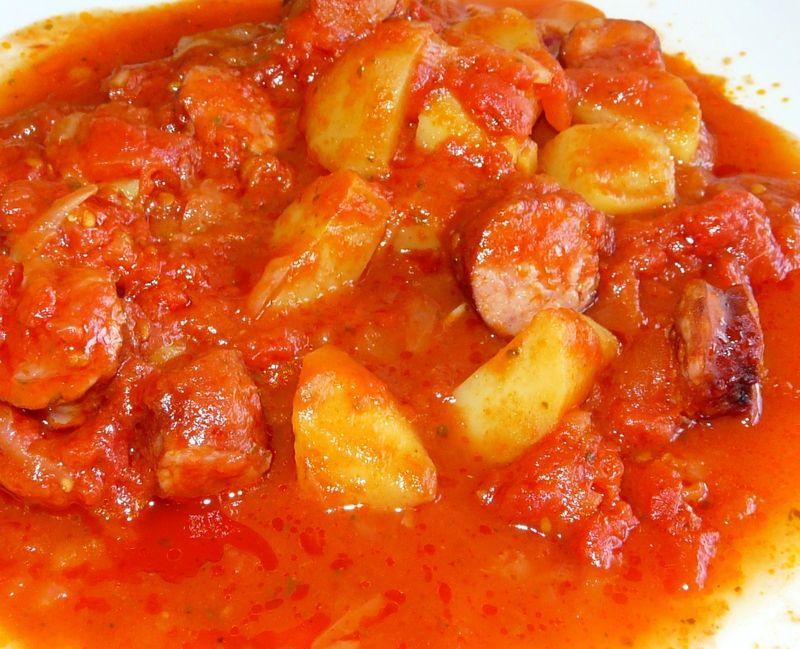 Rougail saucisses et pommes de terre ww recettes plats - Cuisiner des saucisses ...