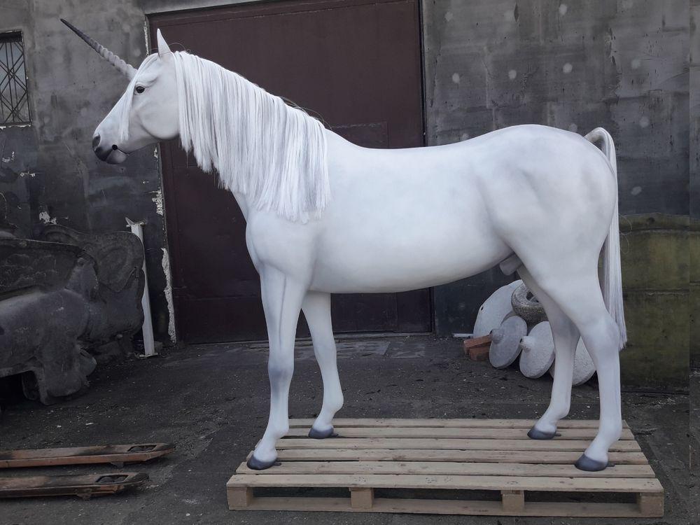 Deko Pferd Horse lebensgross / Modell Einhorn HEG