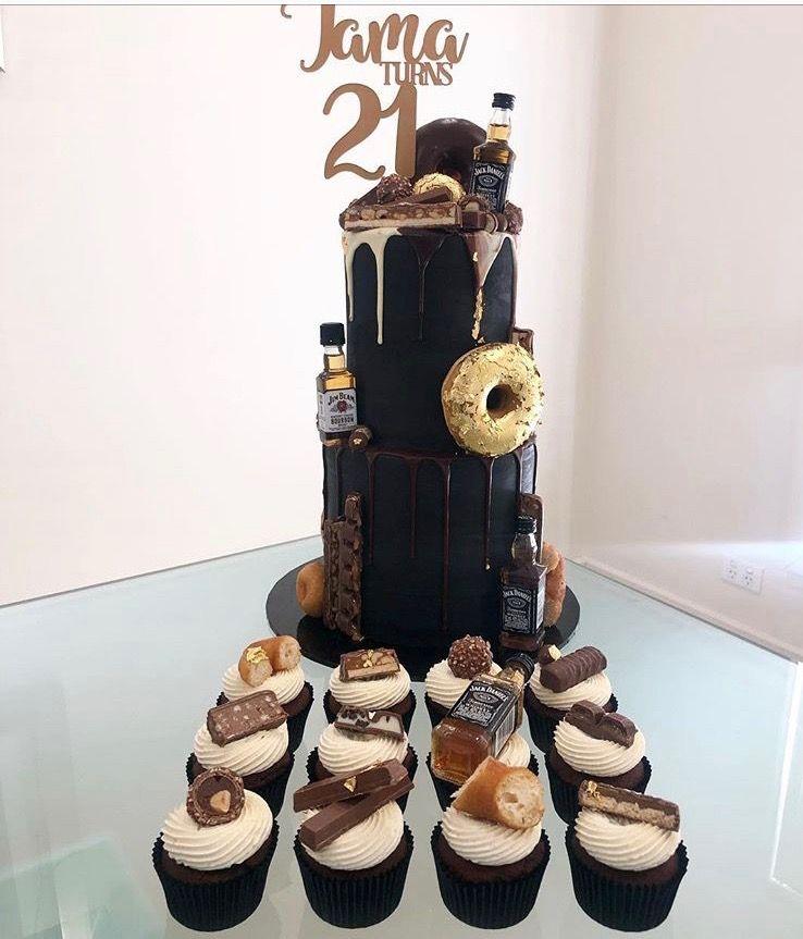 Pin By Alexandra On Tortas Para Hombres Cake Diaper Cake Bday