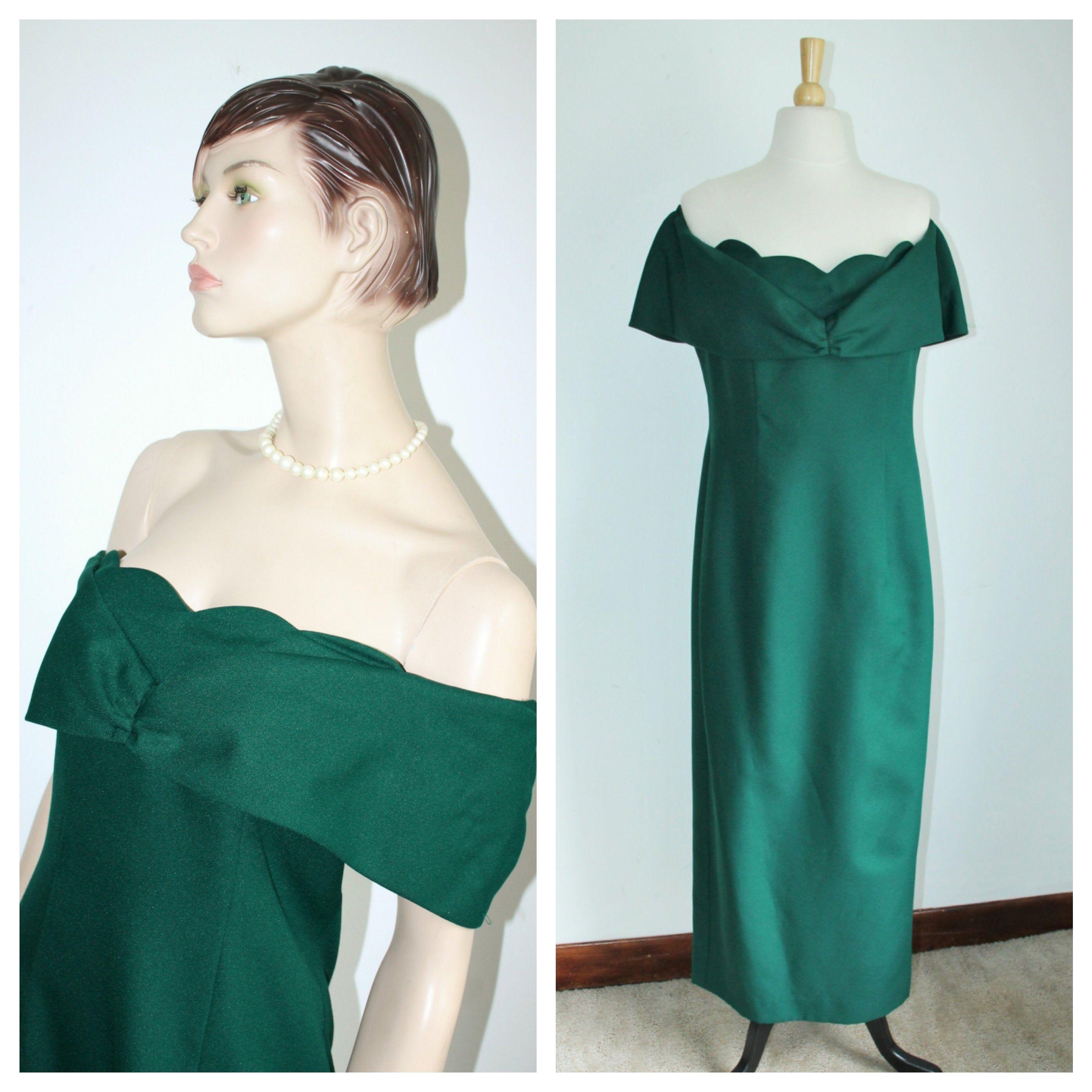 1970 S Dark Green Crepe Evening Gown Vintage Formal Etsy Vintage Formal Wear Evening Gowns Gowns [ 2800 x 2800 Pixel ]