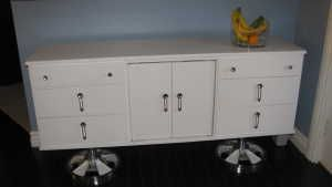 I got this off UsedOttawa for only $200 today! Wheee! Mid-century sideboard/dresser