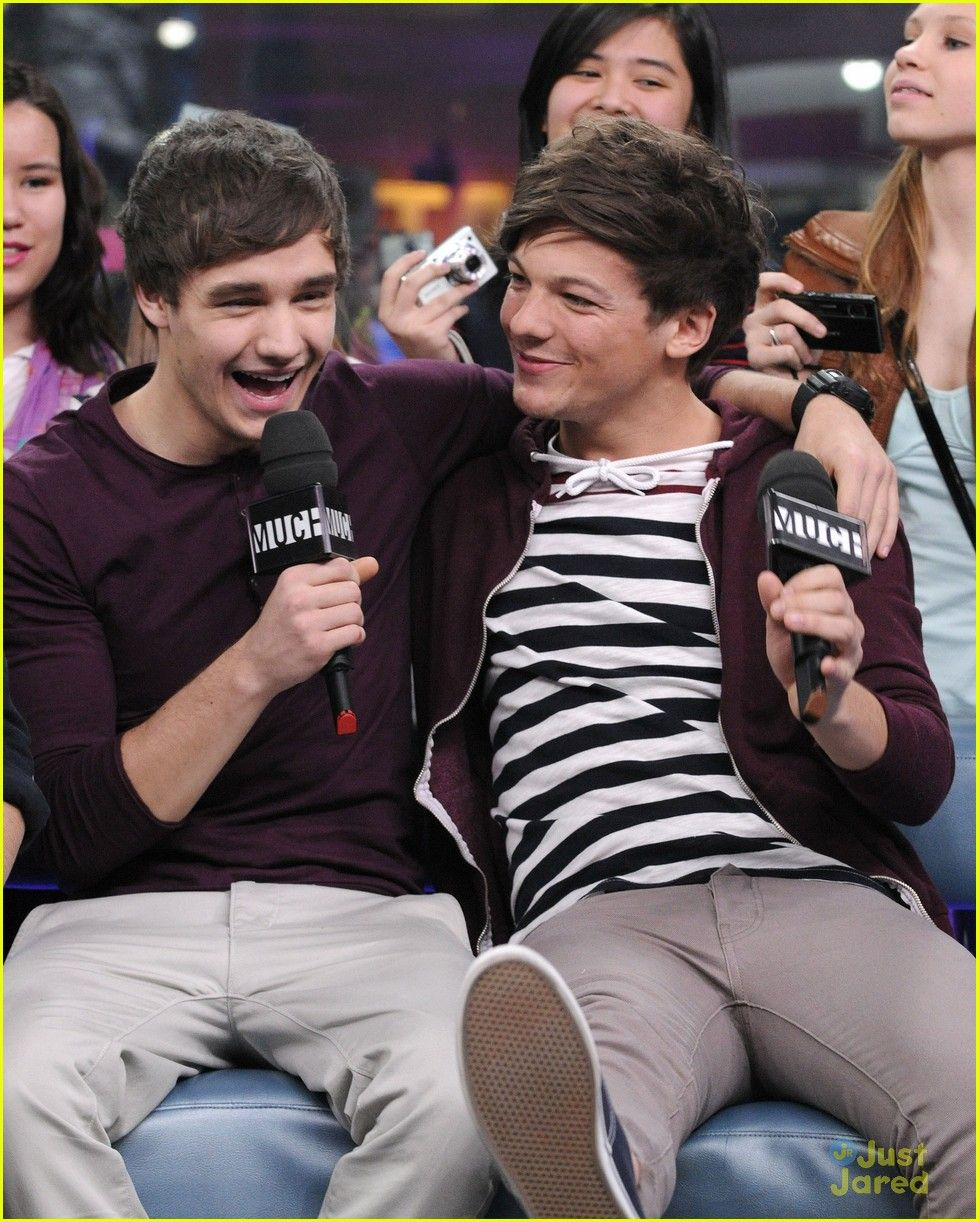 I still ship Larry, not Lilo. But Louis looks cute here.