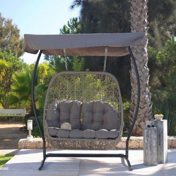 Hollywoodschaukel In Grau Ein Trendiger Sitzplatz Zum Wohlfuhlen Hollywoodschaukel Gartengestaltung Gartenmobel