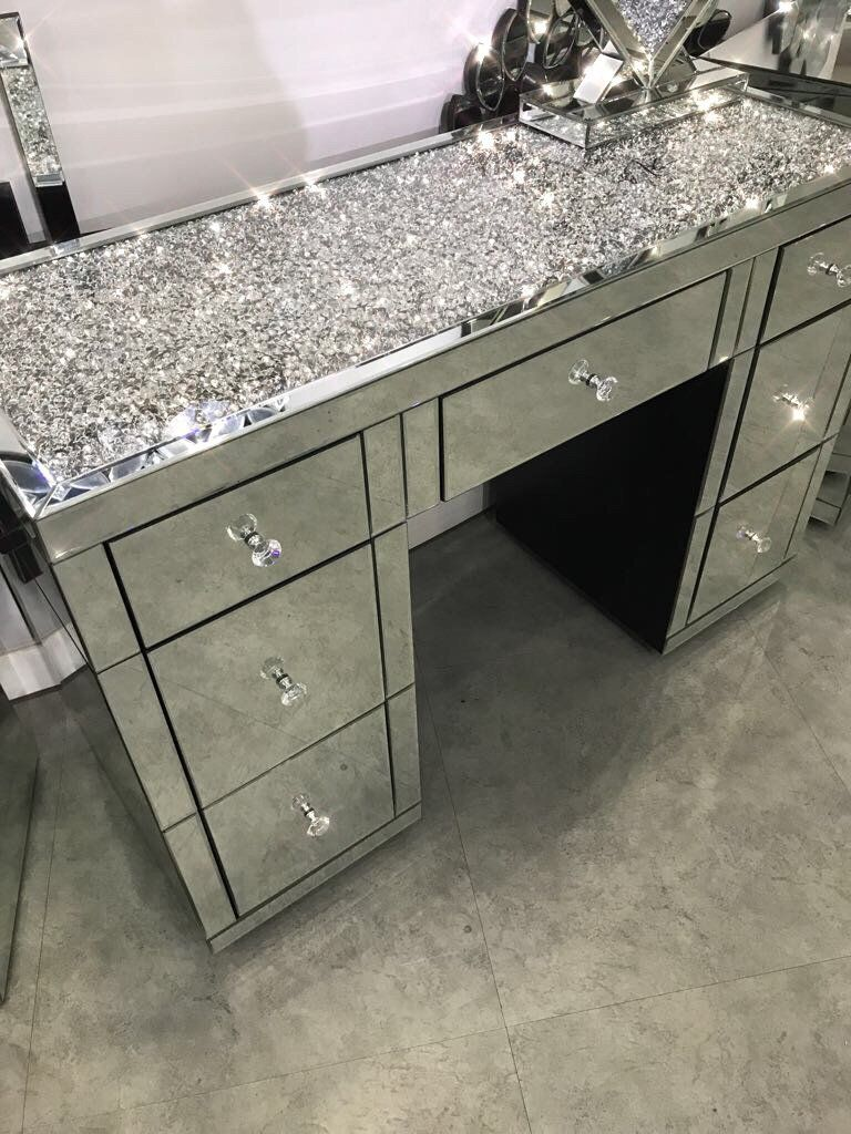 Diamond Crush On Top 7 Drawer Dressing Table Mirrored Furniture