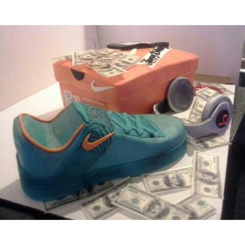 Nike Sneaker Shoe Box And Beats By Dre Headphones Cake