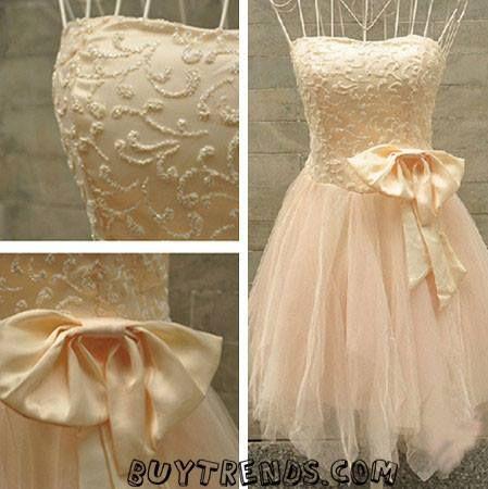 Le veo parecido al vestido de Tinker Bell<3.