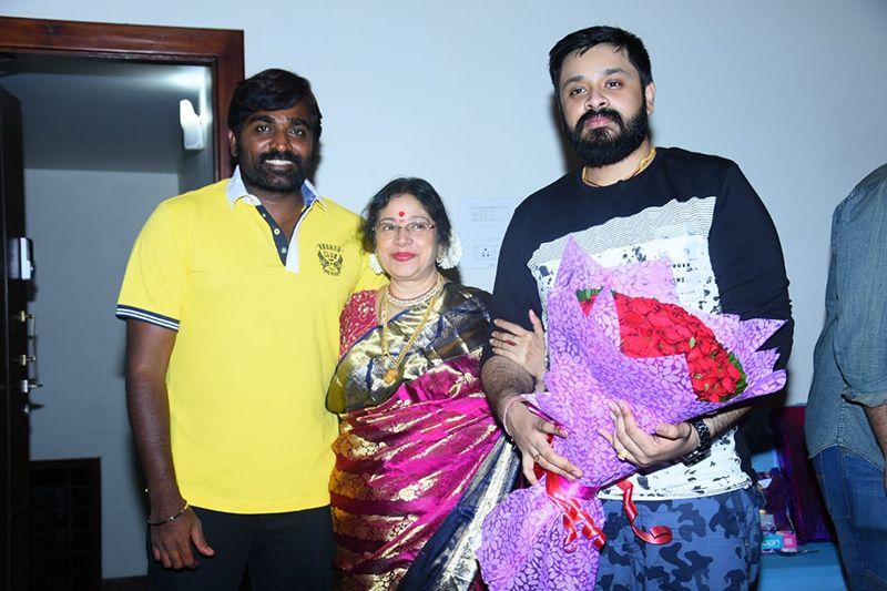 விஜய்சேதுபதியுடன் பிறந்தநாளை கொண்டாடிய இசையமைப்பாளர் அம்ரீஷ்