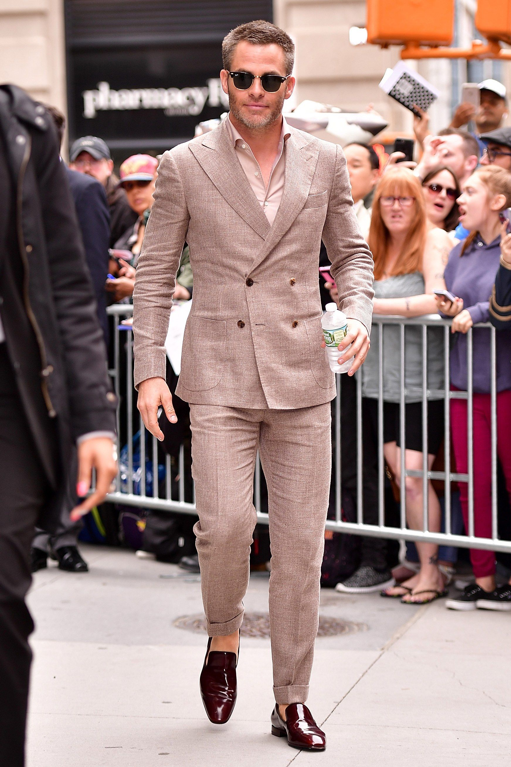 How To Wear A Summer Suit Like a Pro | Pinterest | Moda masculina ...