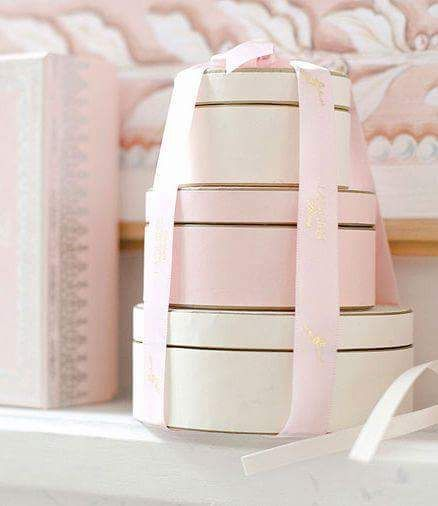 shades of pink pretty boxes with a bow & Pin by Debbie Celso Pochy on Sheu0027s Pretty in Pink | Pinterest ...
