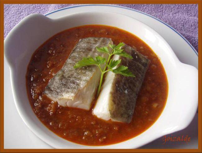 Bacalao al vapor en salsa con jamón