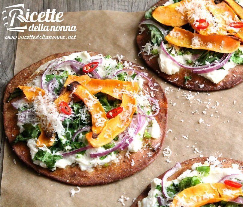 Pizzette (#pita) alla patata dolce  #ricettevegane #vegan #foodgasm #pizzette #patatadolce #foodstyle #food #cooking #foodstagram #follow #followme #instagood #instalike #instadaily #recipe #italianrecipe #italianfood #ricettedellanonna #good #love #happy #italy #passione #fotooftheday #foodblogger #chef #beautiful #instafollow #vscofood