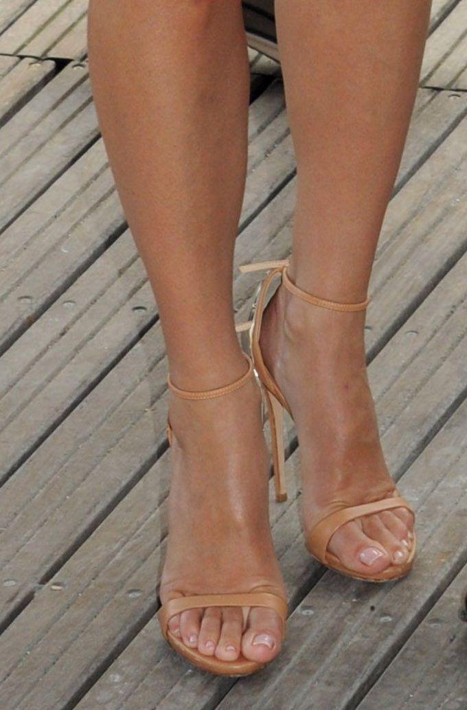 Sandra Bullock  pretty heels & toes! | Feet in 2019 | Sandra
