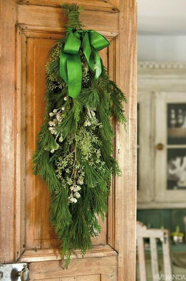 A rustic, au naturel Christmas. Other ideas.../The door!