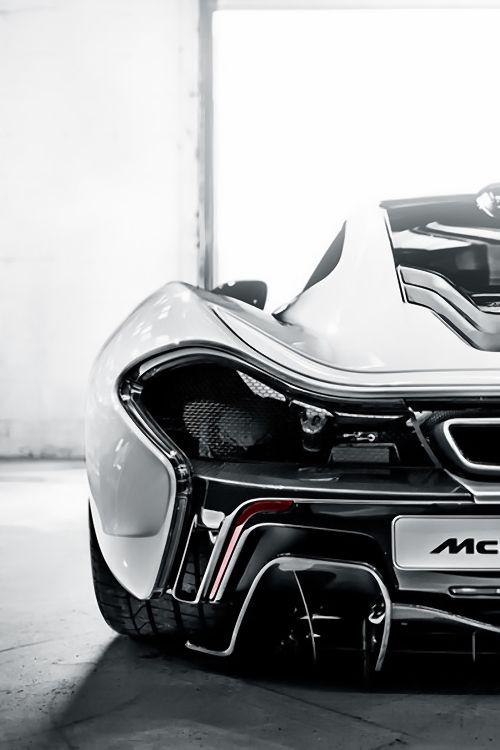 Pin By Kevin Alves On Lux Man Super Cars Mclaren P1 Hybrid Sports Car