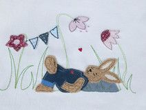 Stickdatei Doodle Hase auf Wiese 13x18 Blumen Hase ...