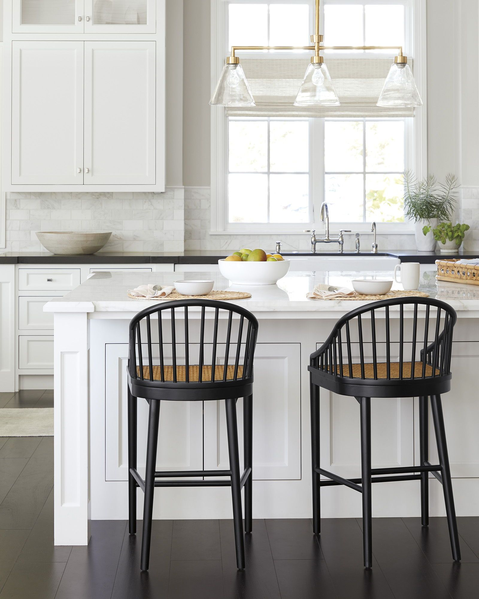 Modern Black Counter Stools Add A Special Touch This This All White Kitchen In 2020 Counter Stools Pretty Kitchen Home Remodeling