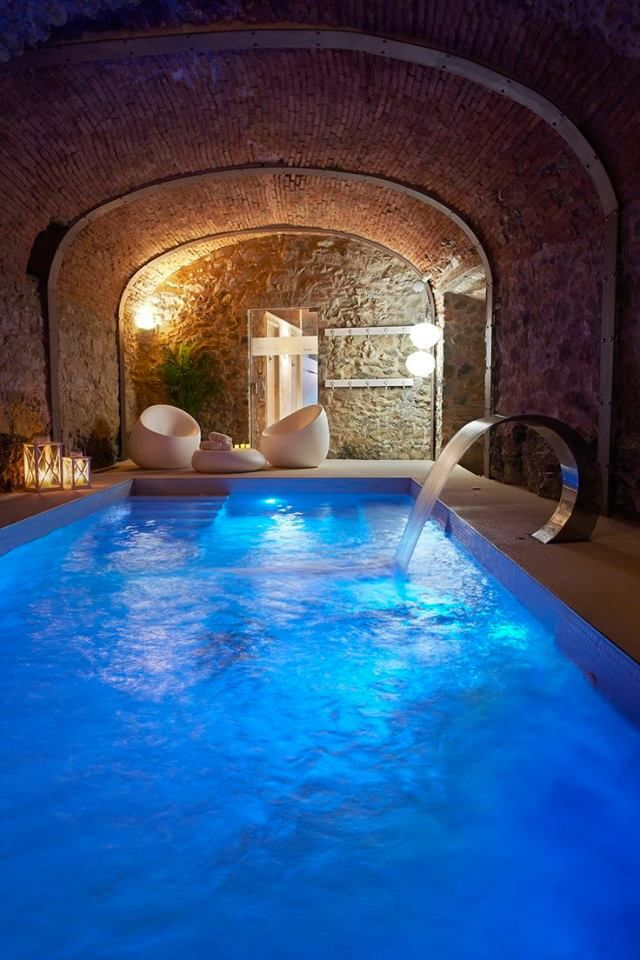 Pin By Bercin Ceren On Home Dream In 2019 Luxury Swimming Pools
