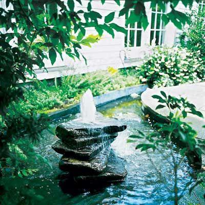backyard fountain made from bluestone pavers