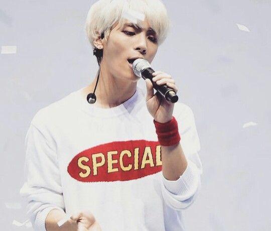 Jonghyun - play the challenge concert