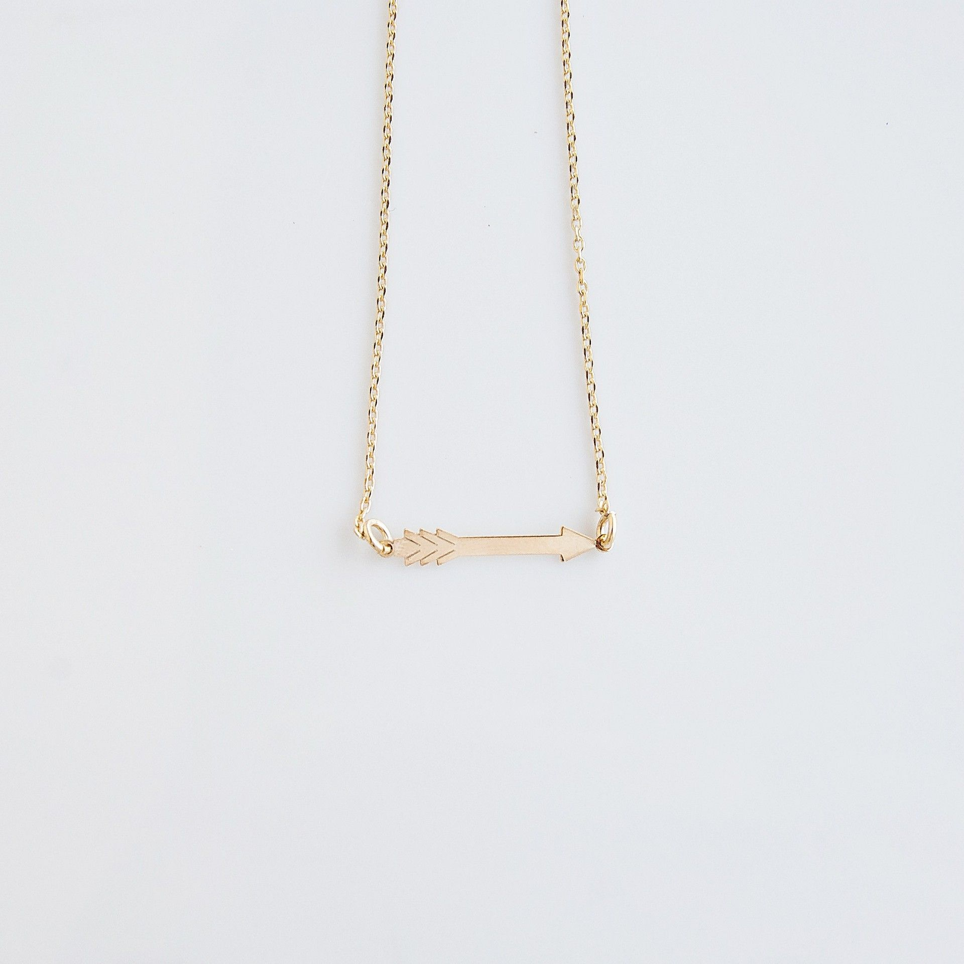 Arrow Necklace (gold)