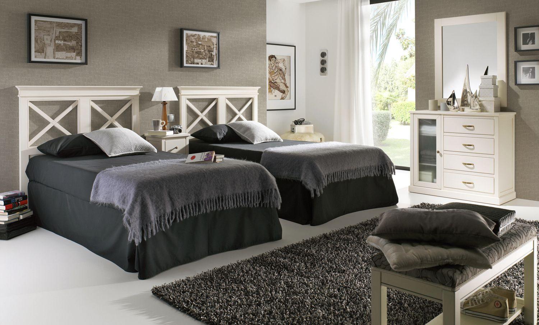 Dormitorios juveniles con cabeceros de madera con aspas. Más info en ...