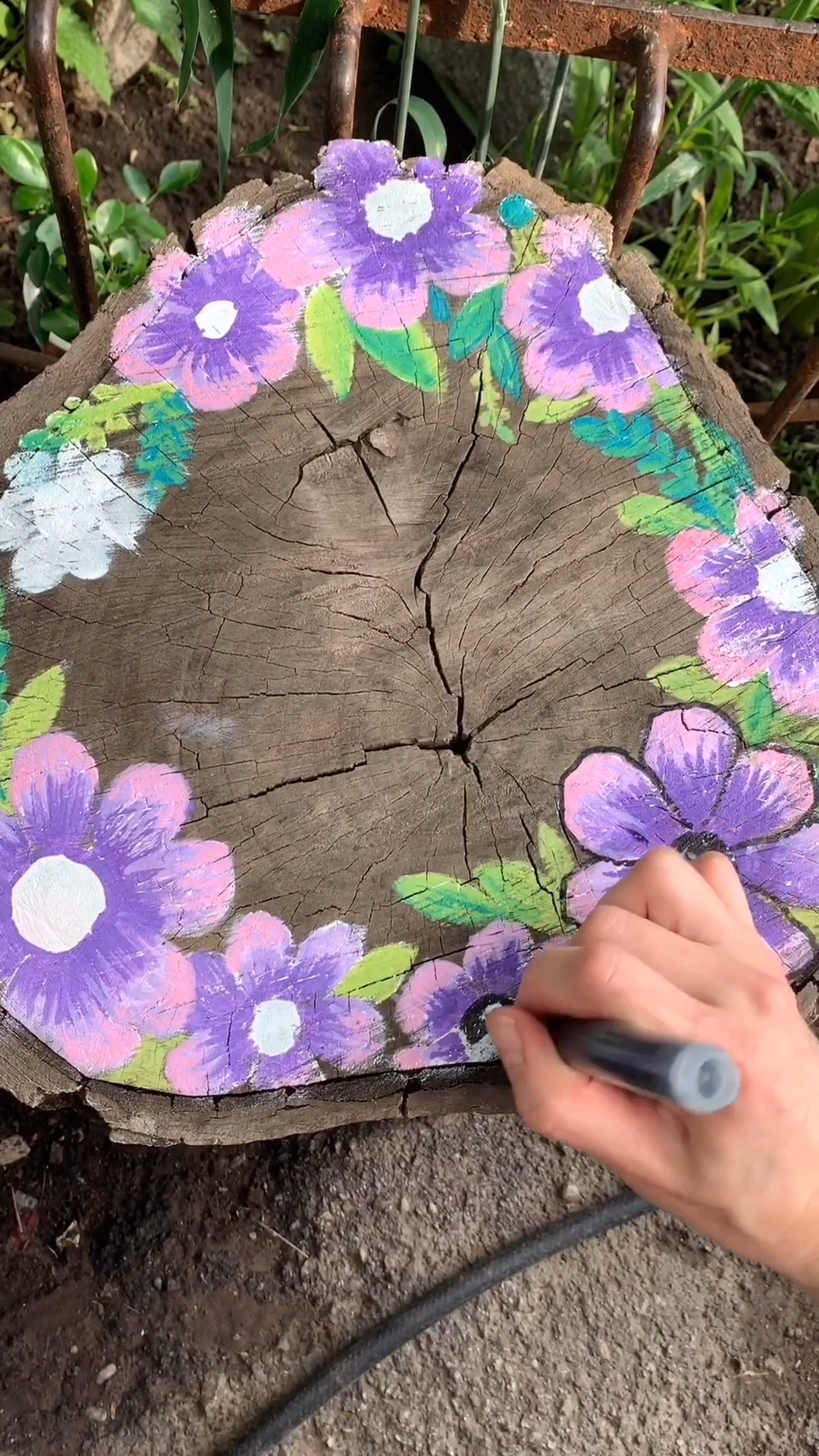 Photo of Tree Stump Painting Outdoor with Artistro Paint Markers
