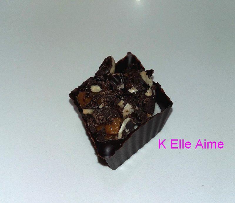 Pour Pâques, ma version des Irrésistibles de Fabrice Gillotte. Dedans : Chocolat Guimauve Caramel et Noisette