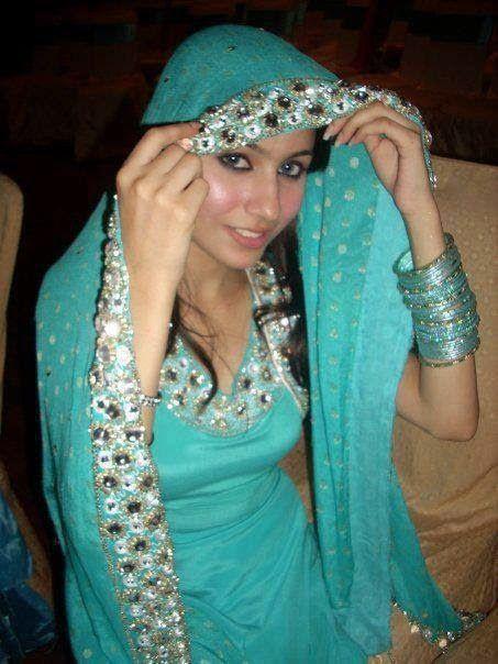 Pakistani Desi Housewife Hot Bold Photos  Desi Girls -3337