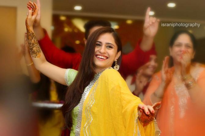 Mehendi Ceremony Look : 4 ways to look gorgeous on your mehendi ceremony