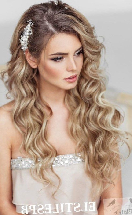 24 Peinados pelo suelto ondulado