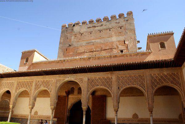"Alhambra de Granada en Twitter: ""#AgendaCultural de #abril2016 en la #Alhambra de #Granada. #buenfindesemana #happyweekend https://t.co/5dGvMoShiU https://t.co/XT8GgjXoyQ"""